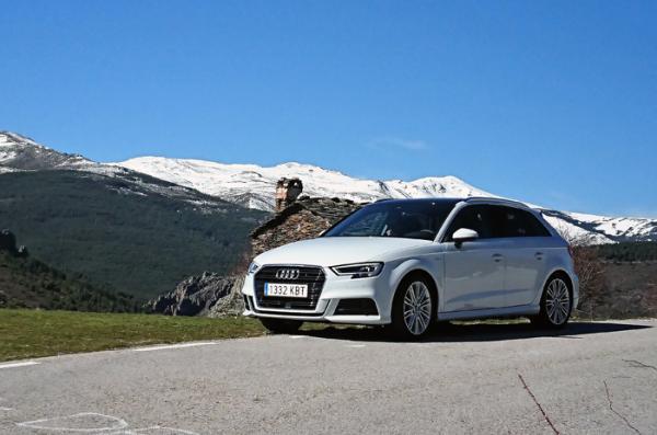 085dde615 El rendimiento apenas varía respecto a la versión de gasolina convencional.  Su precio sin descuentos es de 30.420 euros.